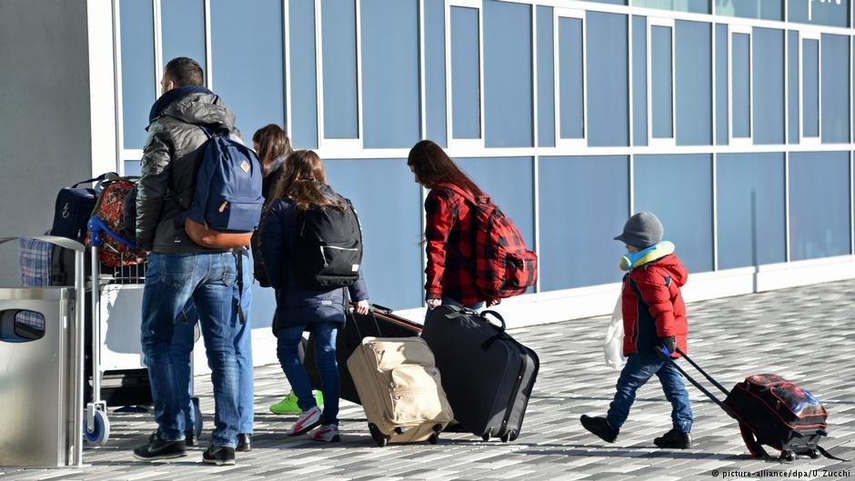 عکس از آرشیف دویچه وله/ حدود ۱۲ هزار پناهجو در چوکات برنامه تشویقی آلمان این کشور را ترک کرده اند.