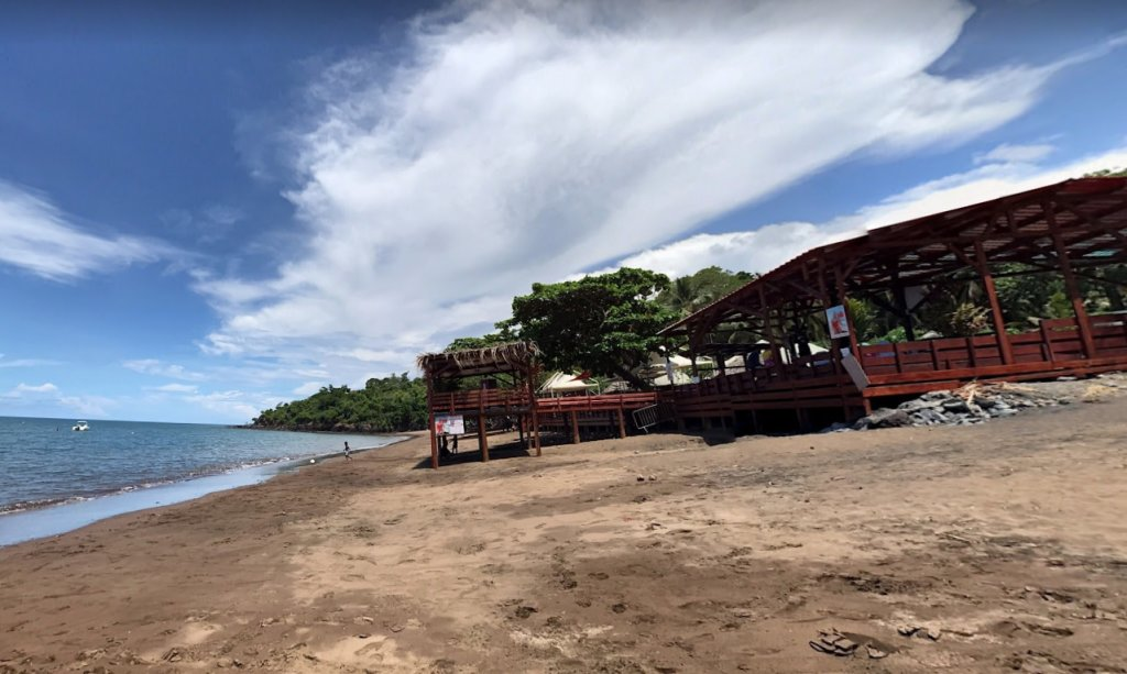 Une plage de Mayotte située au nord de Mamoudzou. Crédit : Google Street View