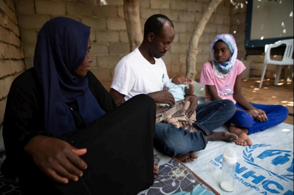 Une famille de réfugiés soudanais du Darfour à Tripoli en Libye, en juin 2020. Crédit : HCR / Mohamed Alalem