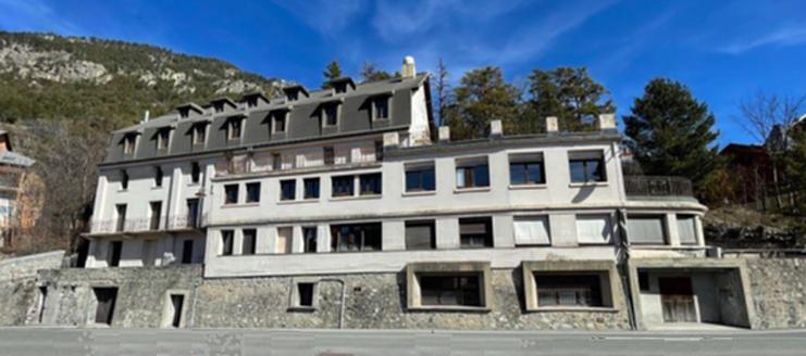 Le Refuge solidaire, rebaptisé les Terrasses solidaires, s'est installé dans une ancienne clinique. Crédit : Refuges solidaires