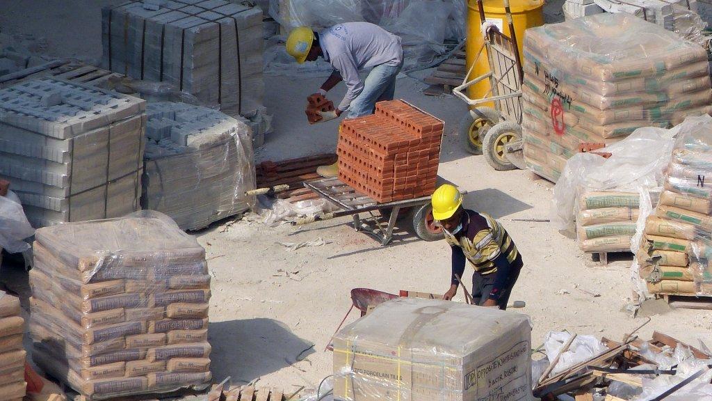 کارگران یک پروژه ساختمانی. عکس از پیکسابی