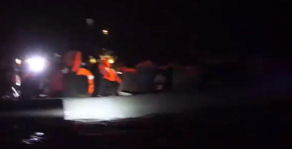 """لحظة تنفيذ عملية الإنقاذ، 24 كانون الثاني/يناير 2020. الصورة مأخوذة من فيديو """"أطباء بلا حدود"""""""