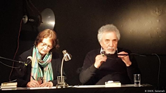 DW/K. Salameh |الكاتب السوري مصطفى خليفة والمترجمة لاريسا بندر في حفل توقيع الترجمة الألمانية للرواية