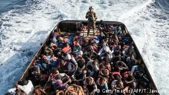 فرونتکس از هجوم پناهجویان به اسپانیا هشدار داده است.