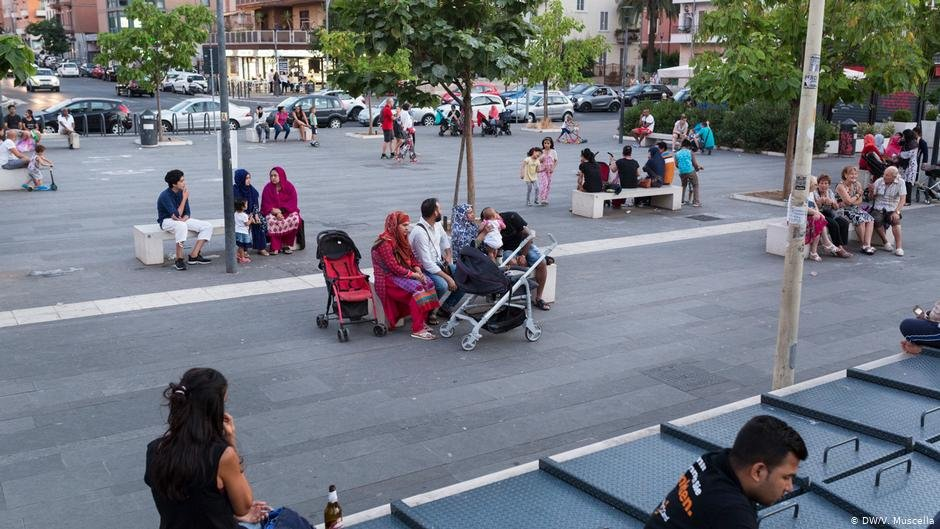Bangladeshi families in Malatesta square in Rome | Photo: DW/V.Muscella