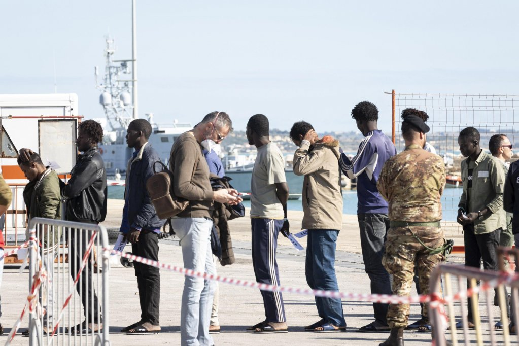 Migrants arriving in the Sicilian port of Pozzallo after being rescued by Spanish humanitarian rescue vessel 'Aita Mari' |  PHOTO/ARCHIVE/ANSA/FRANCESCO RUTA