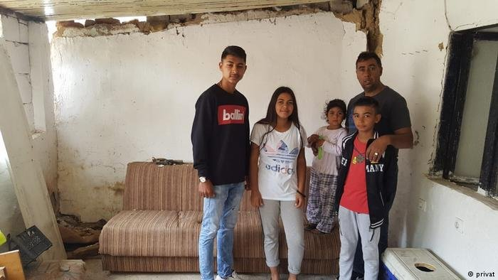 Picture of the Sali Family