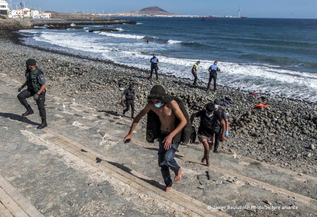 مهاجرون يصلون إلى جزر الكناري. أرشيف