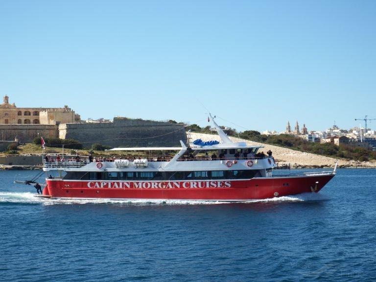 L'Europa II est un des deux bateaux de croisière de Captain Morgan qui accueillent les 160 migrants en quarantaine. Crédit : DR / Ian Greenwood (Archive)
