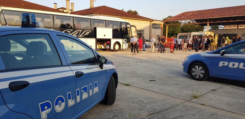 نقل 50 طالب لجوء من أوديني إلى مناطق أخرى في إيطاليا. المصدر: أنسا.