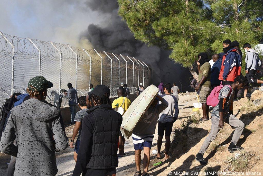 آتش سوزی در اردوگاه واتی در جزیره ساموس یونان (۱۱ نوامبر ۲۰۲۰)