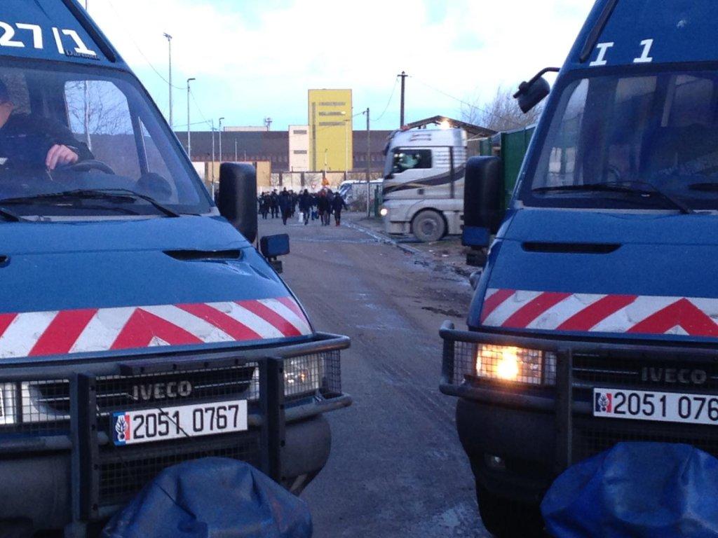 L'évacuation du campement de migrants de l'ancienne station-service à Calais, le 28 janvier 2020. Crédit : Human Rights Observers