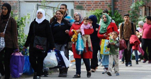 """عودة اللاجئين السورين """" تويتر"""""""