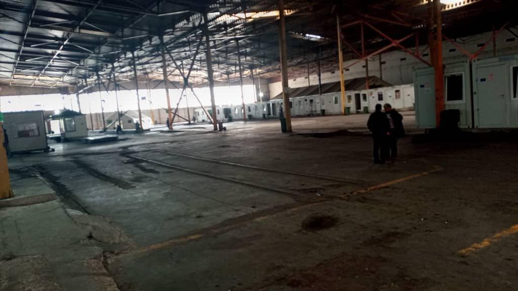 Les conteneurs du camps de migrants de Bira en Bosnie. Crédits : DR
