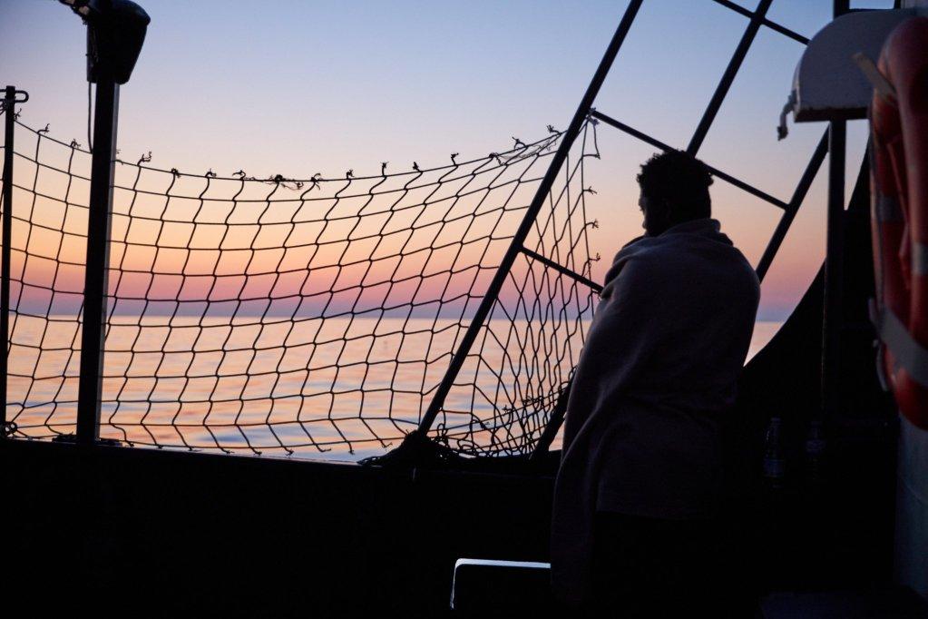 Un des 65 migrants secourus, à bord du Alan Kurdi le 5 juillet 2019. Crédit : Sea-Eye