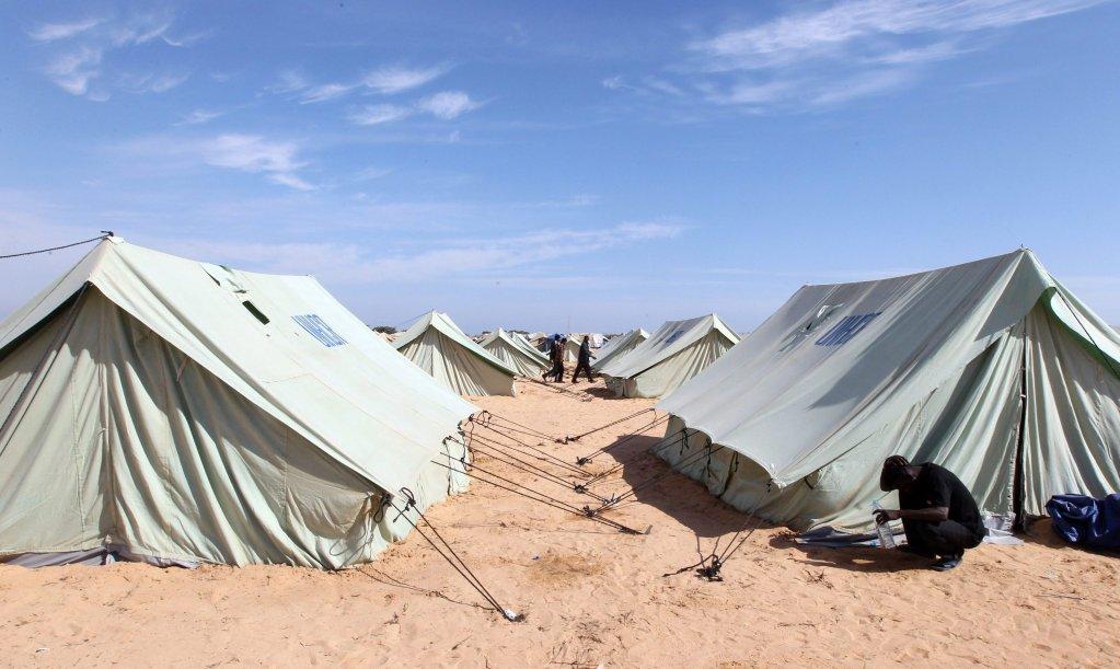 مخيم تابع للمفوضية العليا للاجئين في تونس. المصدر: إي بي إيه / محمد مسارة.