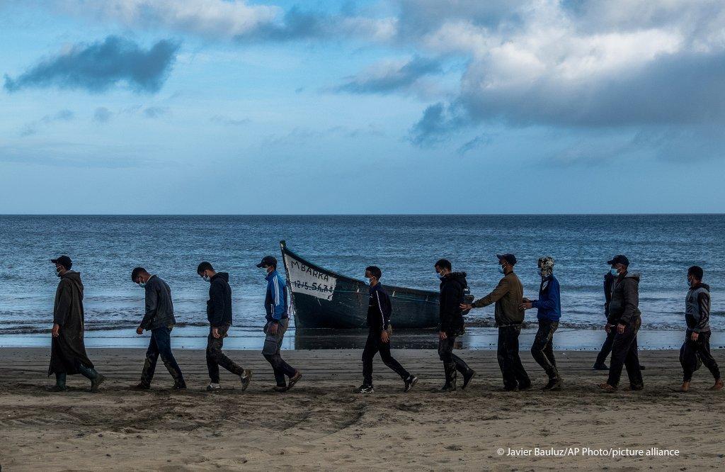 Près de 2.000 personnes sont probablement mortes sur la route de l'Atlantique en 2021   Photo : Javier Bauluz / AP