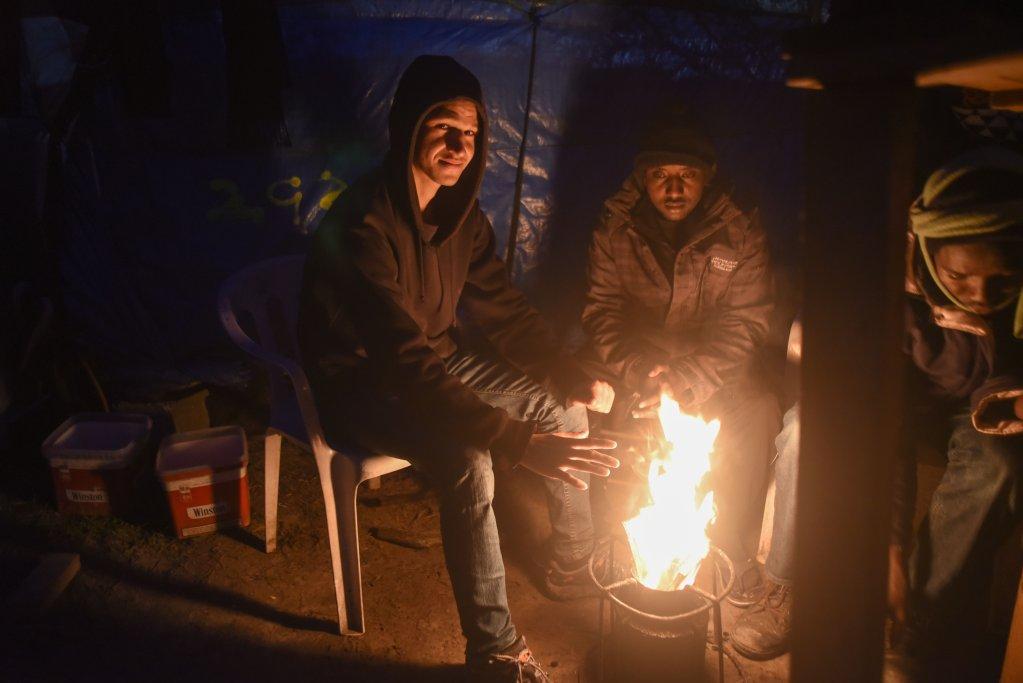 Plusieurs centaines de mineurs vivaient dans la jungle de Calais avant son démantèlement. Crédit : Mehdi Chebil, photo d'archives.