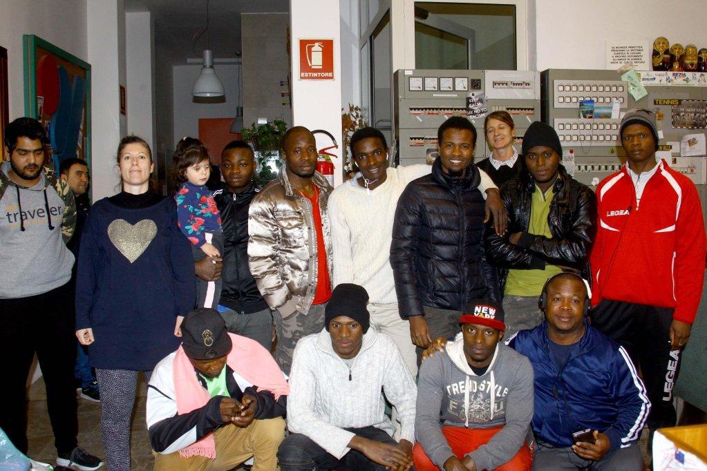 """ANSA / إغلاق مركز """"ريزيا فالتيلينا"""" لاستقبال طالبي اللجوء في 5 شباط/ فبراير الجاري. المصدر: أنسا/ كارلو أورلاندي."""