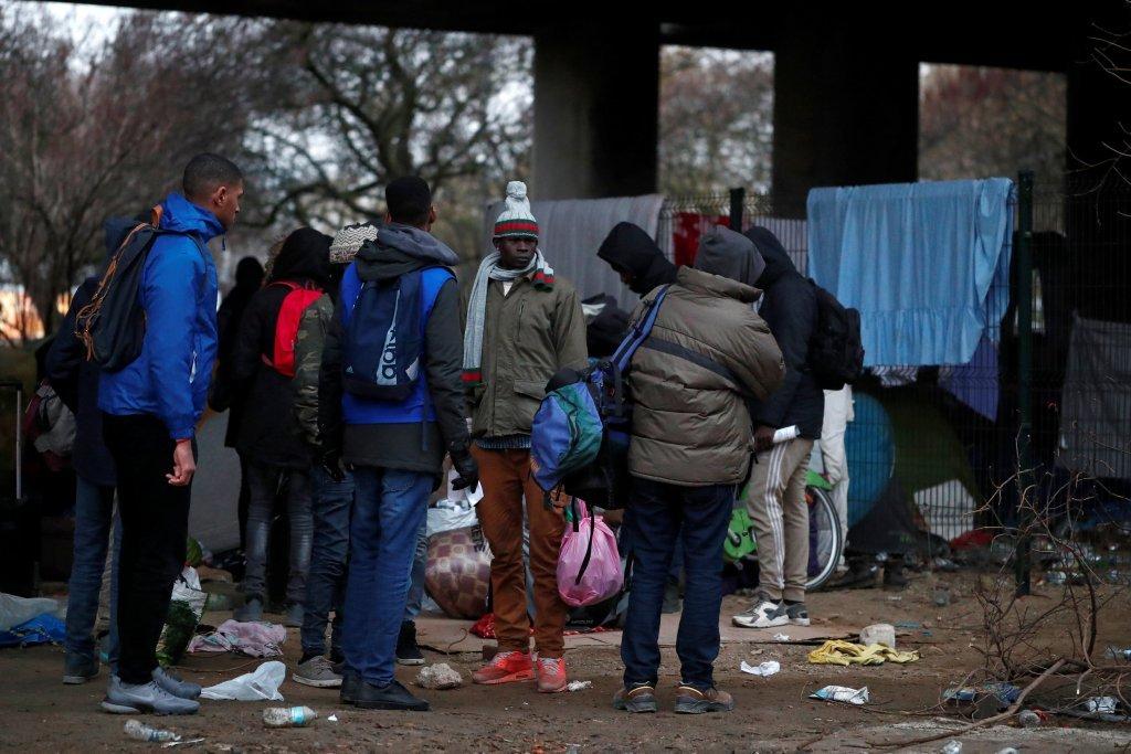 مهاجران در پورت دو لا ویلت، در شمال پاریس. عکس از خبرگزاری رویترز