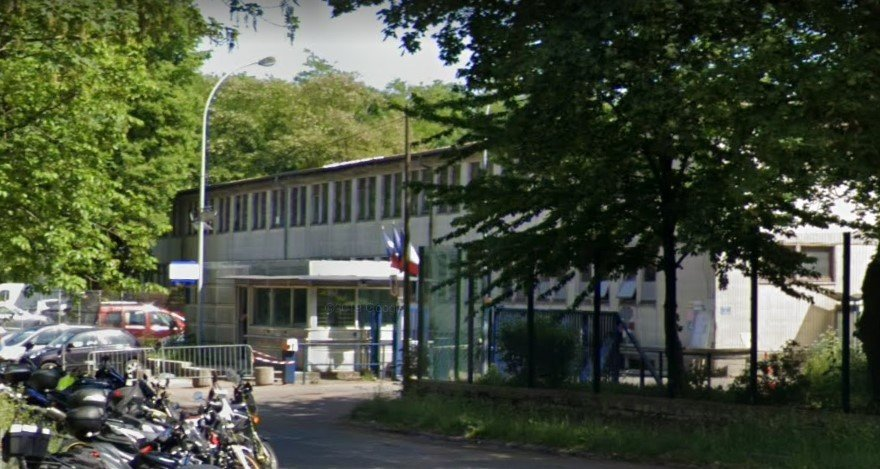 مرکز نگهداری اداری یا توقیفگاه مهاجران در ونسن، در جنوب شرق پاریس.  عکس از گوگل مپ