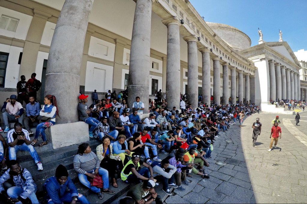 Thousands of immigrants demonstrating in Naples for basic income and rights for all | Photo: ANSA/CIRO FUSCO