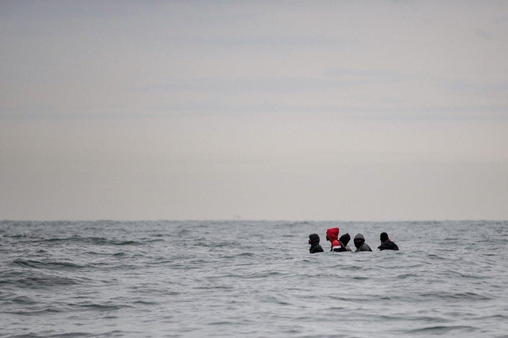 les migrants arrivant en Angleterre sur des embarcations de fortune ne seront plus poursuivis par la justice. Crédit : Reuters