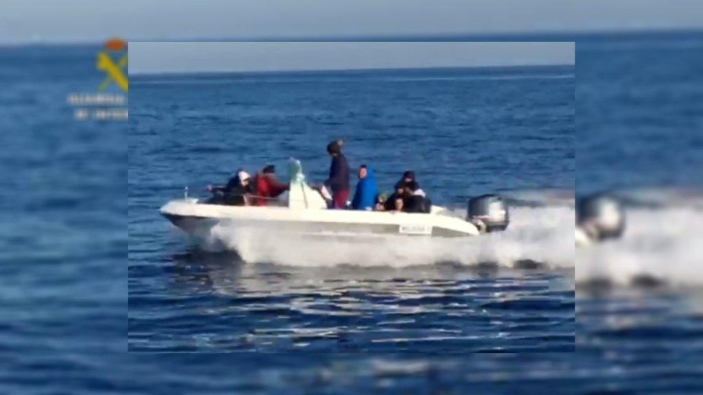 Cette embarcation fait partie des neuf interceptées par la Garde civile espagnole lors d'une opération de démantèlement d'un réseau de passeurs, jeudi 14 mai. Crédit : Guardia Civil