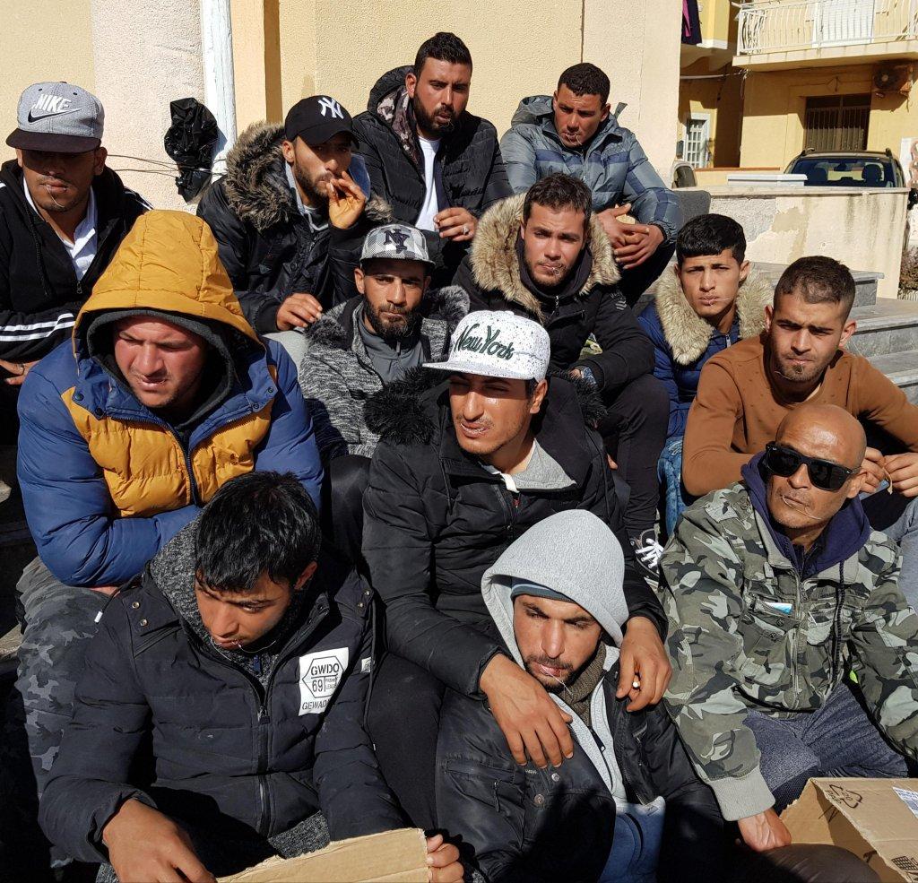 ANSA / احتجاج للمهاجرين التونسيين في لامبيدوزا. المصدر: أنسا/ غيليو ديسيديريو.