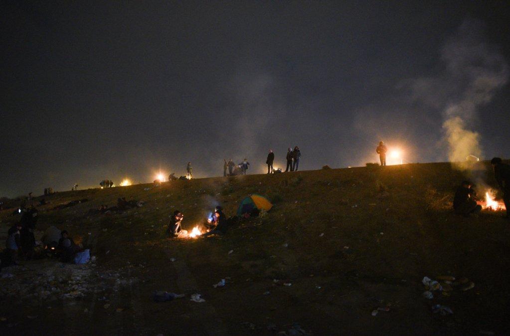 Environ 200 migrants sont éparpillés dans ce campement situé à plusieurs kilomètres de la frontière turco-grecque. Crédit : Medhi Chebil pour InfoMigrants