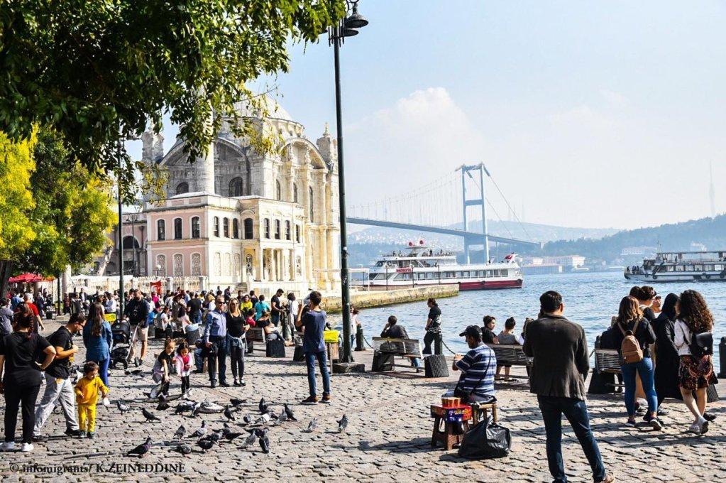 لاجئون سوريون في اسطنبول