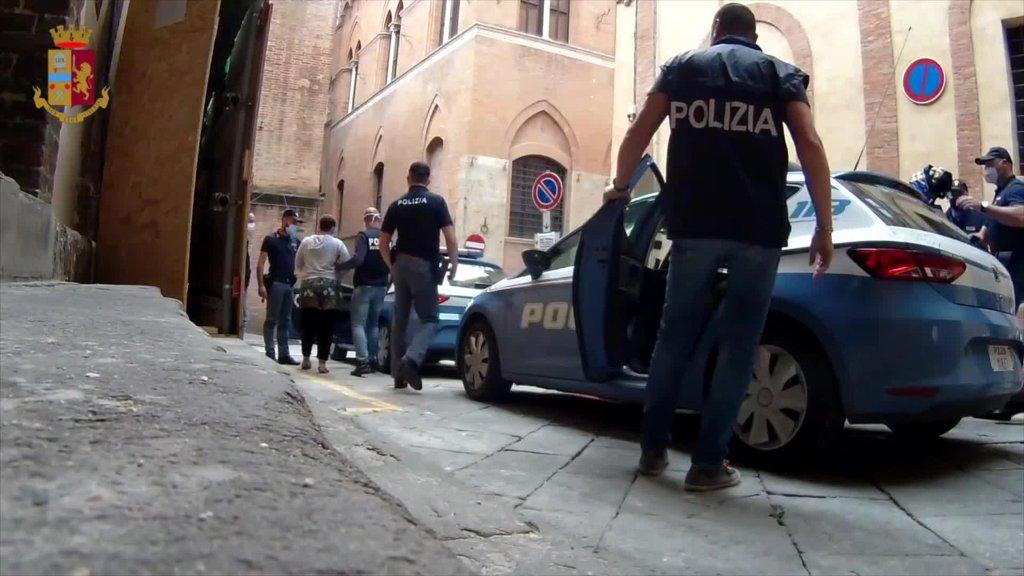 عملية لمكافحة الاتجار بالبشر نفذتها الشرطة في سيينا. المصدر: أنسا.