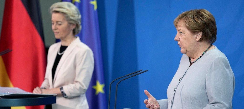 المستشارة الألمانية ميركل ورئيسة المفوضية الأوروبية أورزولا فان دير لاين