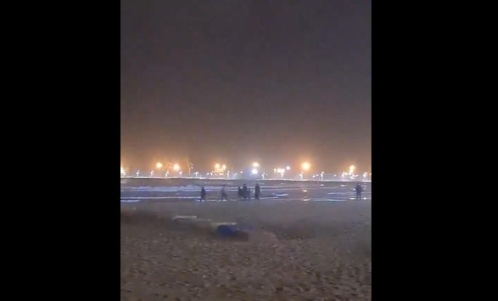 Ces migrants sont venus à la nage jusqu'à Melilla. Crédit : Twitter @AdelanteMelilla