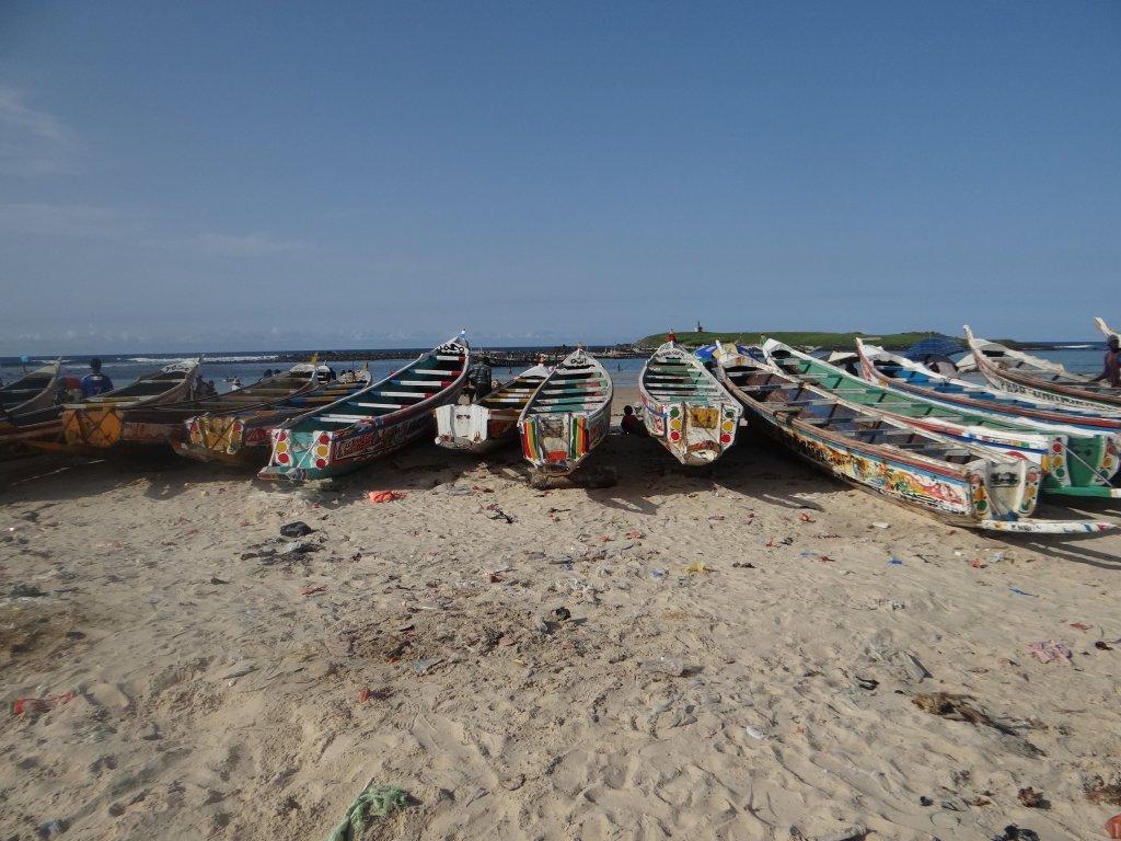 قوارب على شاطئ داكار. المصدر: راديو فرنسا/ندياسيه سامبي