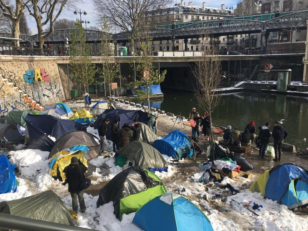 یک کمپ پناهجویان در شمال شرقی پاریس. عکس از مهاجر نیوز.