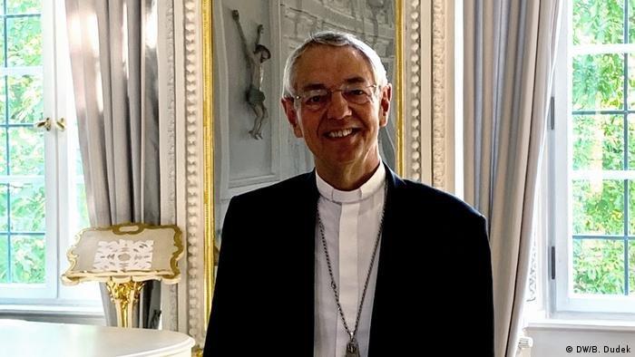 لودویگ شیک، سرپرست کمیسیون اسقفهای کلیسای جهانی