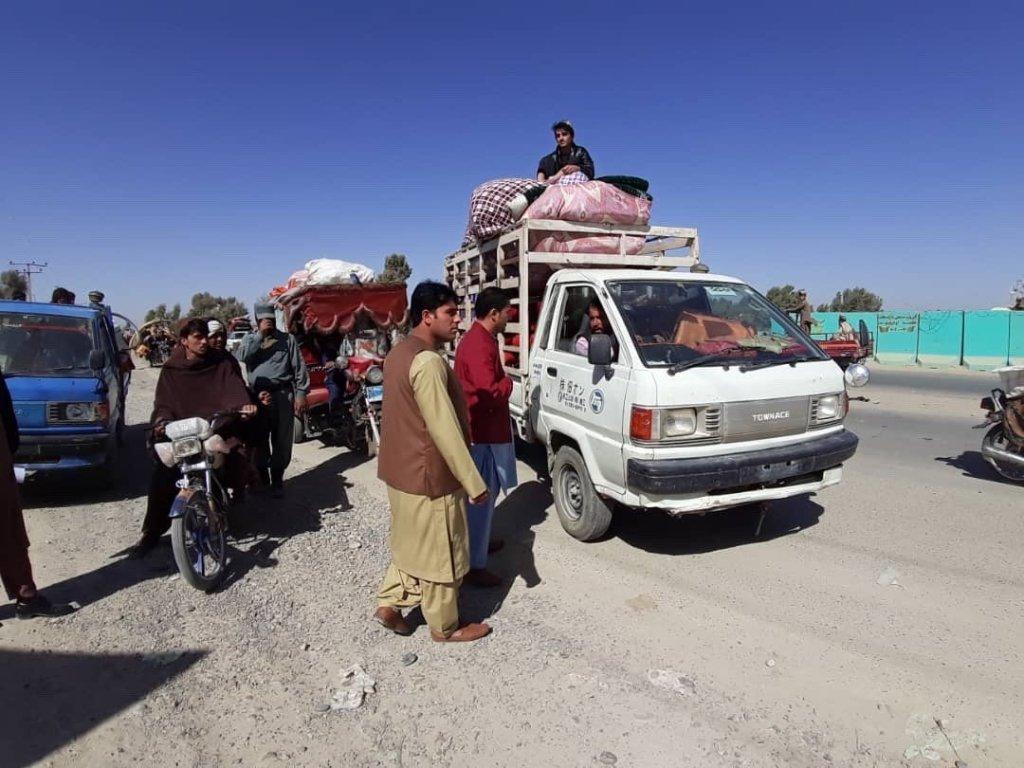 د جګړو له ویرې یو شمیر افغانان د بې ځایه کیدو پر مهال. انځور: د ملګرو ملتونو د بشري مرستو اداره (OCHA)