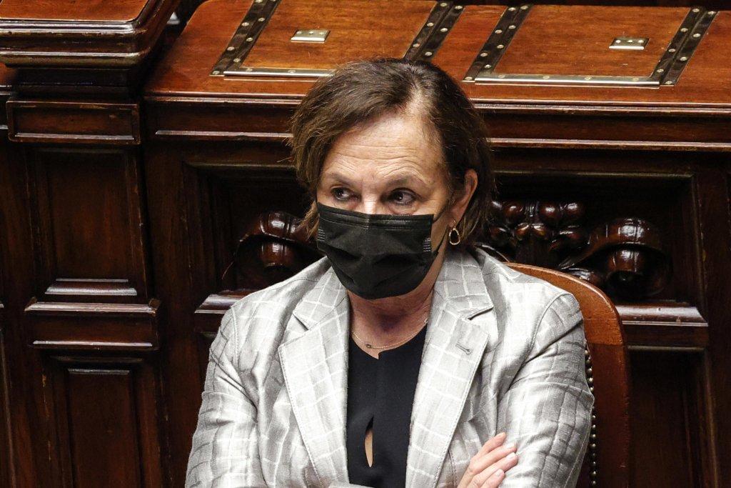 وزيرة الداخلية الإيطالية لوتشيانا لامورغيزي خلال جلسة استماع عاجلة في مجلس النواب. المصدر: أنسا/ جوزيبي لامي.