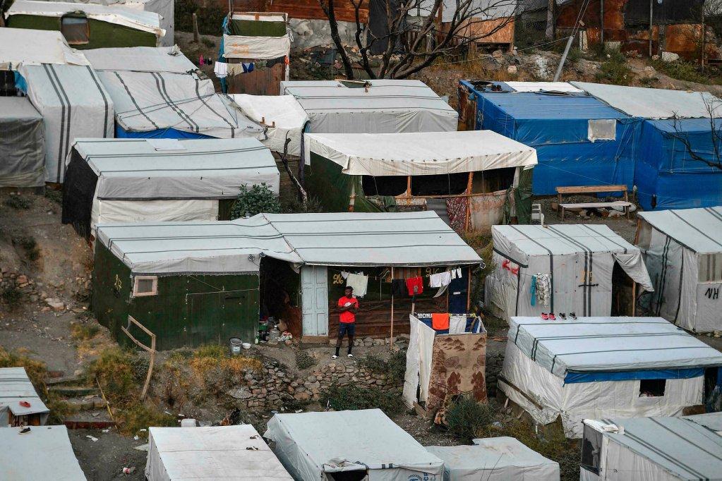 Vue d'un camp de migrants sur l'ile grecque de Samos, le 19 septembre 2021. Crédit : AFP
