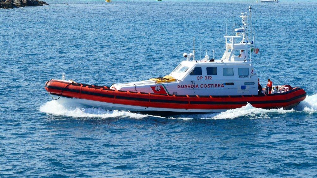 ANSA / سفينة تابعة لقوات حرس السواحل الإيطالية، المصدر: أنسا / ديسيديرو.