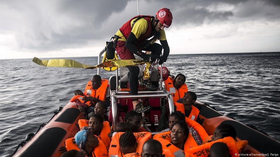 منذ عام 2015، تم إدانة 158 أوروبيا بتهمة دعم المهاجرين