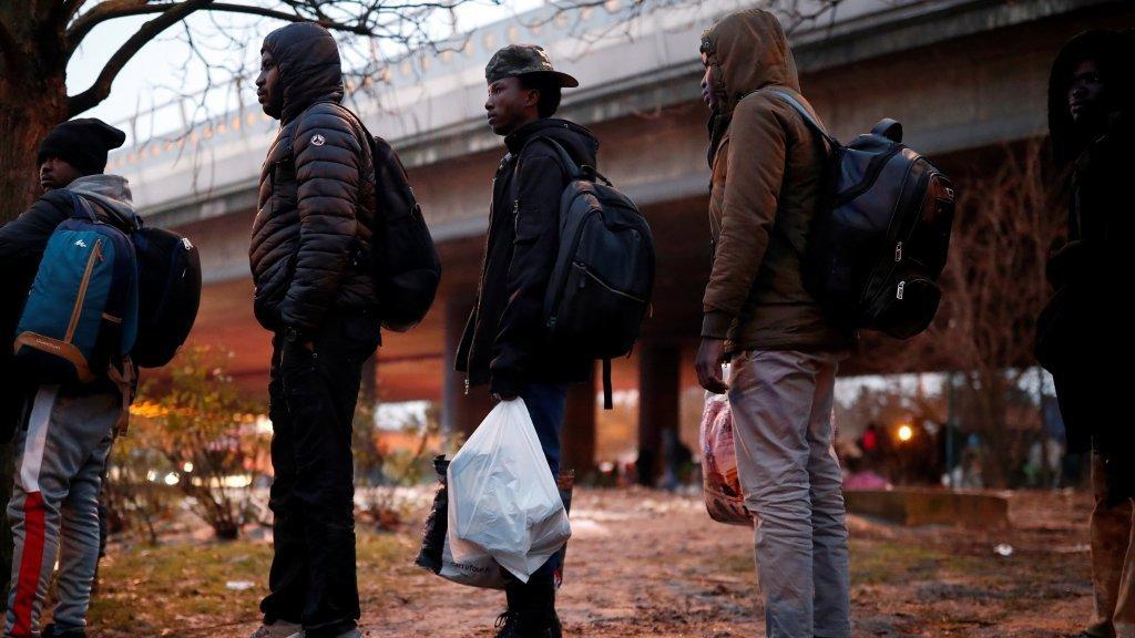 استئناف استقبال وتسجيل طلبات اللجوء في إيل دو فرونس. المصدر / رويترز