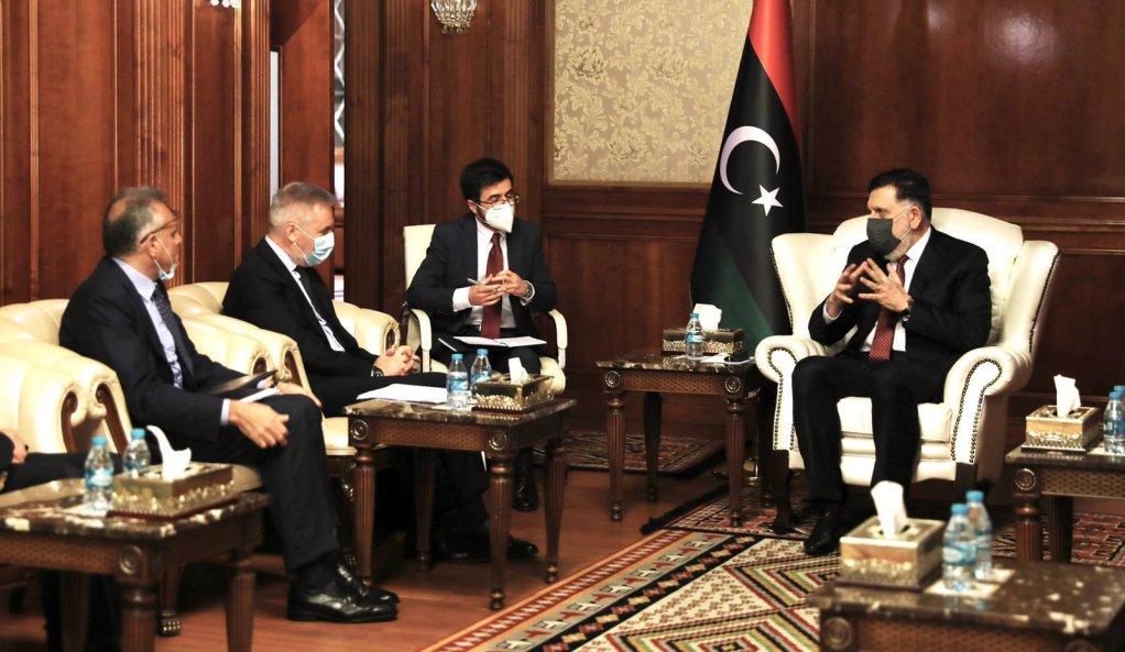 The meeting in Tripoli between Italian Defense minister Guerini and the head of the UN-recognized Libyan government Fayez al-Serraj | Photo: ANSA/US Defense Ministry
