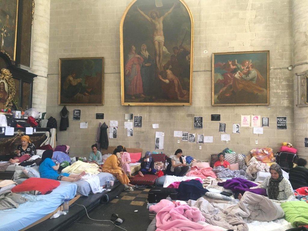 Une cinquantaine de femmes sans-papiers occupent une partie de l'église du Béguinage, à Bruxelles, le 22 juillet 2021. Crédit : InfoMigrants