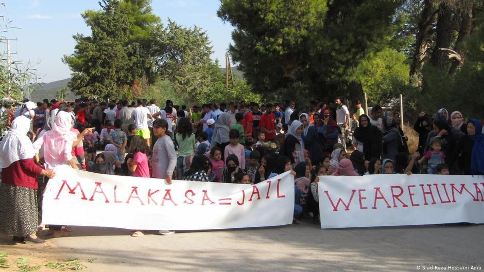 """تصویر: تظاهرات مهاجران کمپ""""ملاکاسا"""" در یونان"""