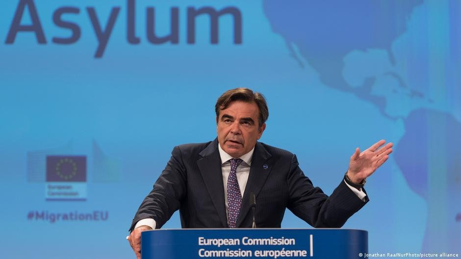 Margaritis Schinas says the EU has not done 'particularly well on returns so far' | Photo: Jonathan Raa/picture-alliance