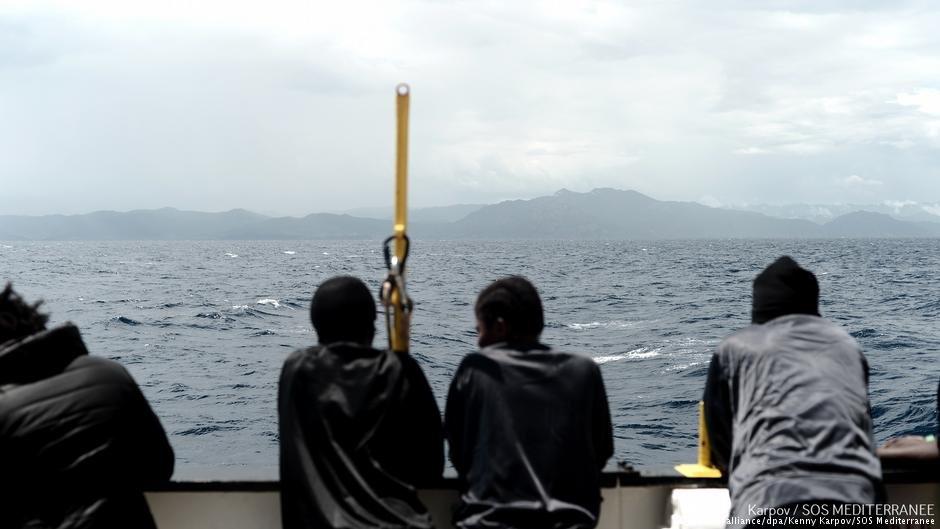 دست کم ۲۲ پناهجو در مدیترانه ناپدید شده اند.