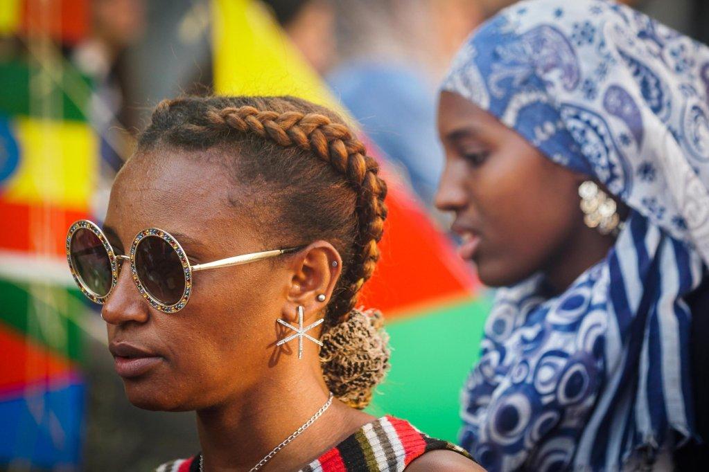 مهاجرون في رياتشي، وهي مدينة إيطالية كانت تمثل نموذجا للتكامل حتى وقت قريب. المصدر: أنسا/ سيزار أباتي.