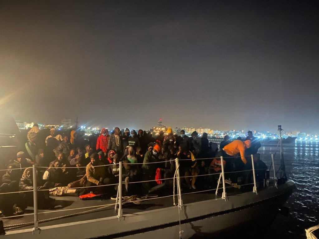 Migrants intercepted and returned to Libya by the coast guard on Thursday, February 4, 2021 | Screenshot from Twitter @msehlisafa